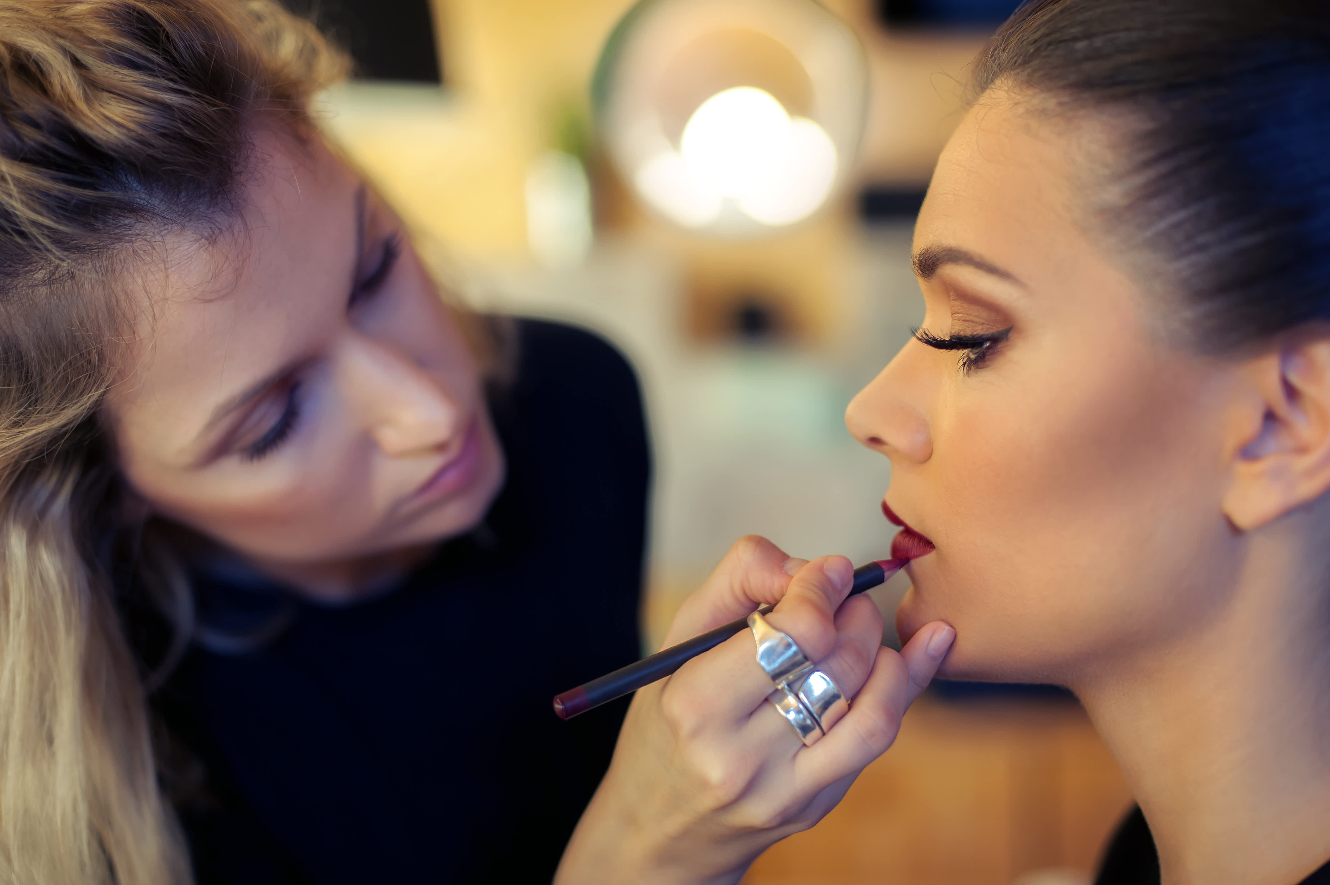 experts including makeup artists - HD 4256×2832