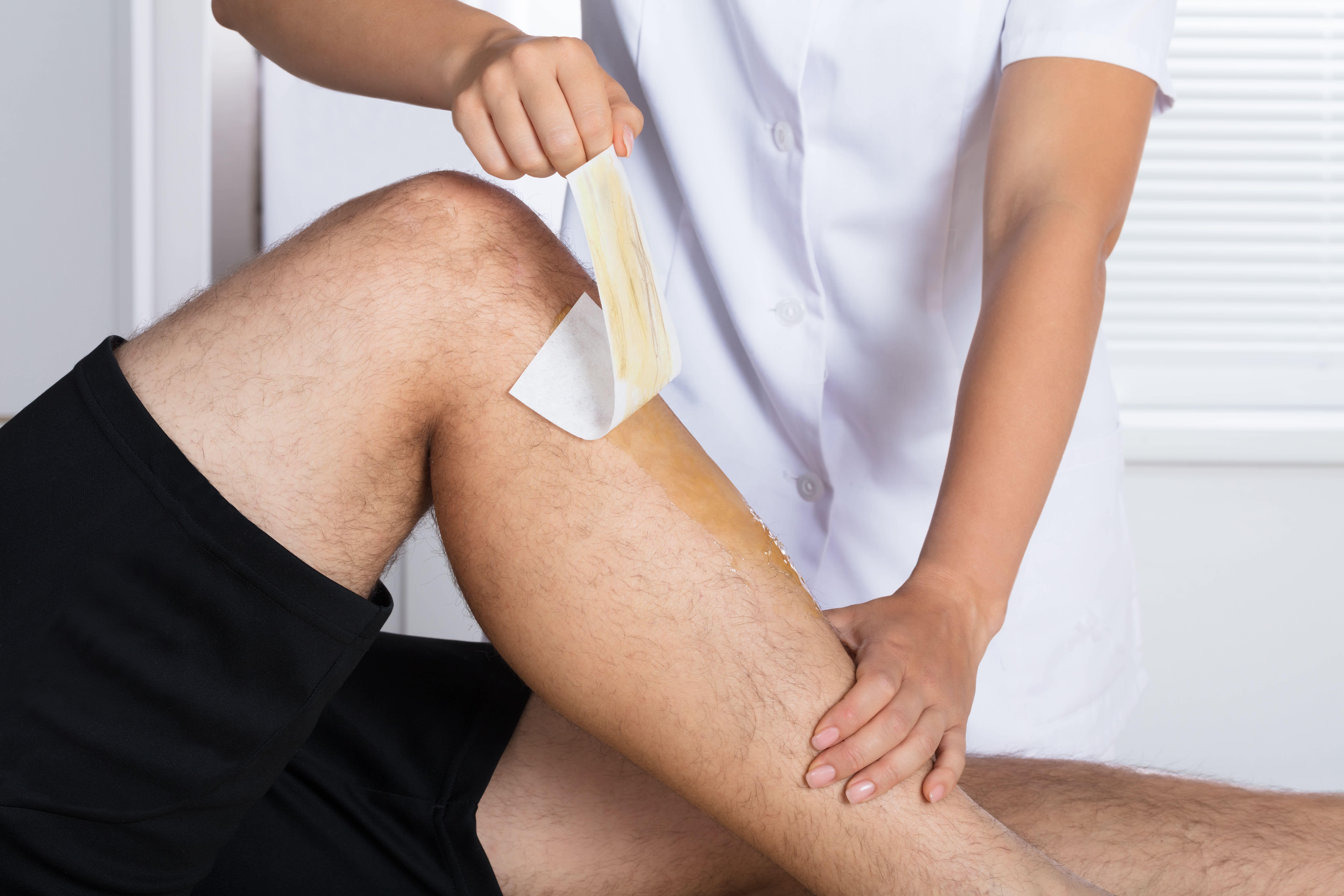MEN'S WAXING - Full Legs