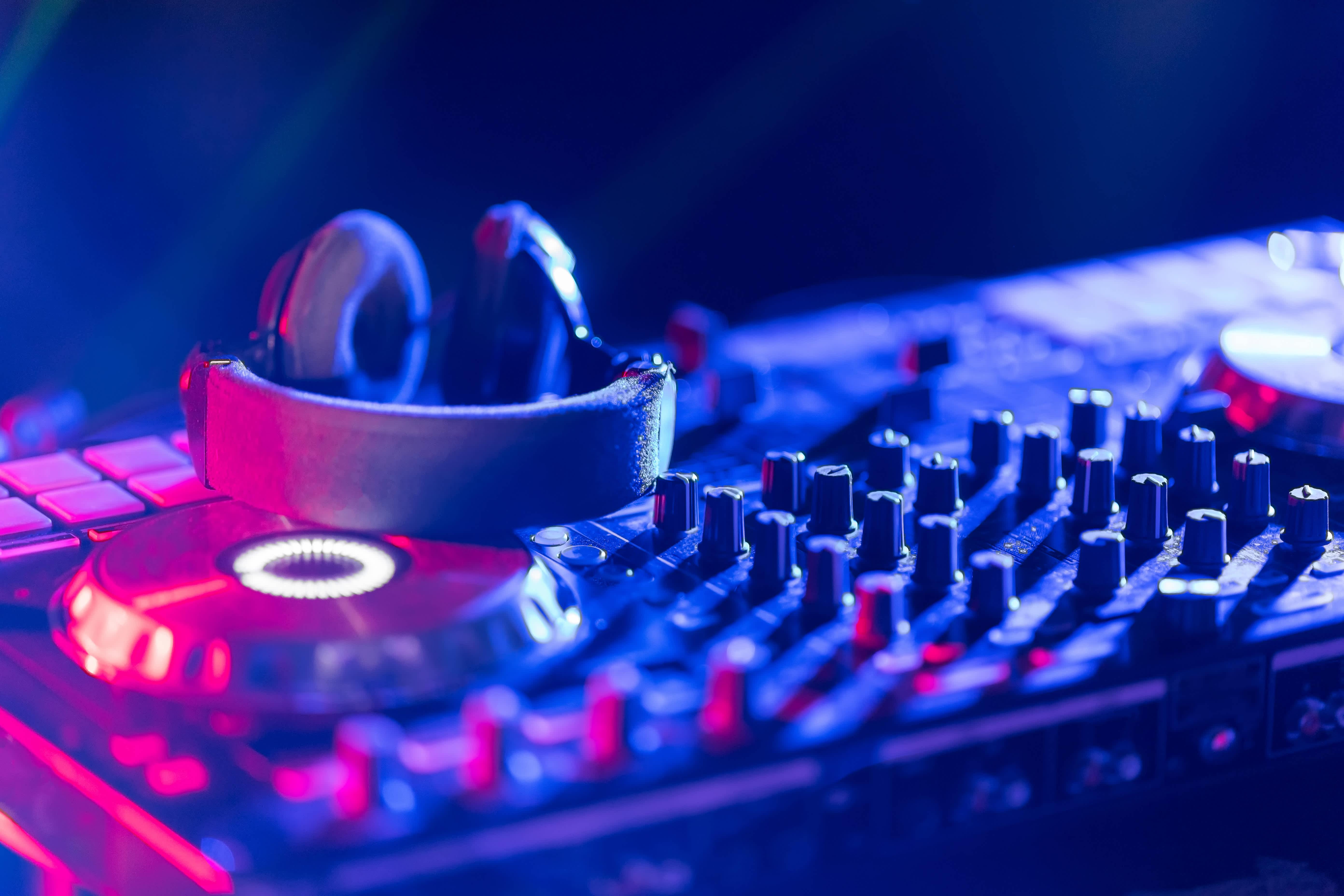 Proms & School Dances DJ