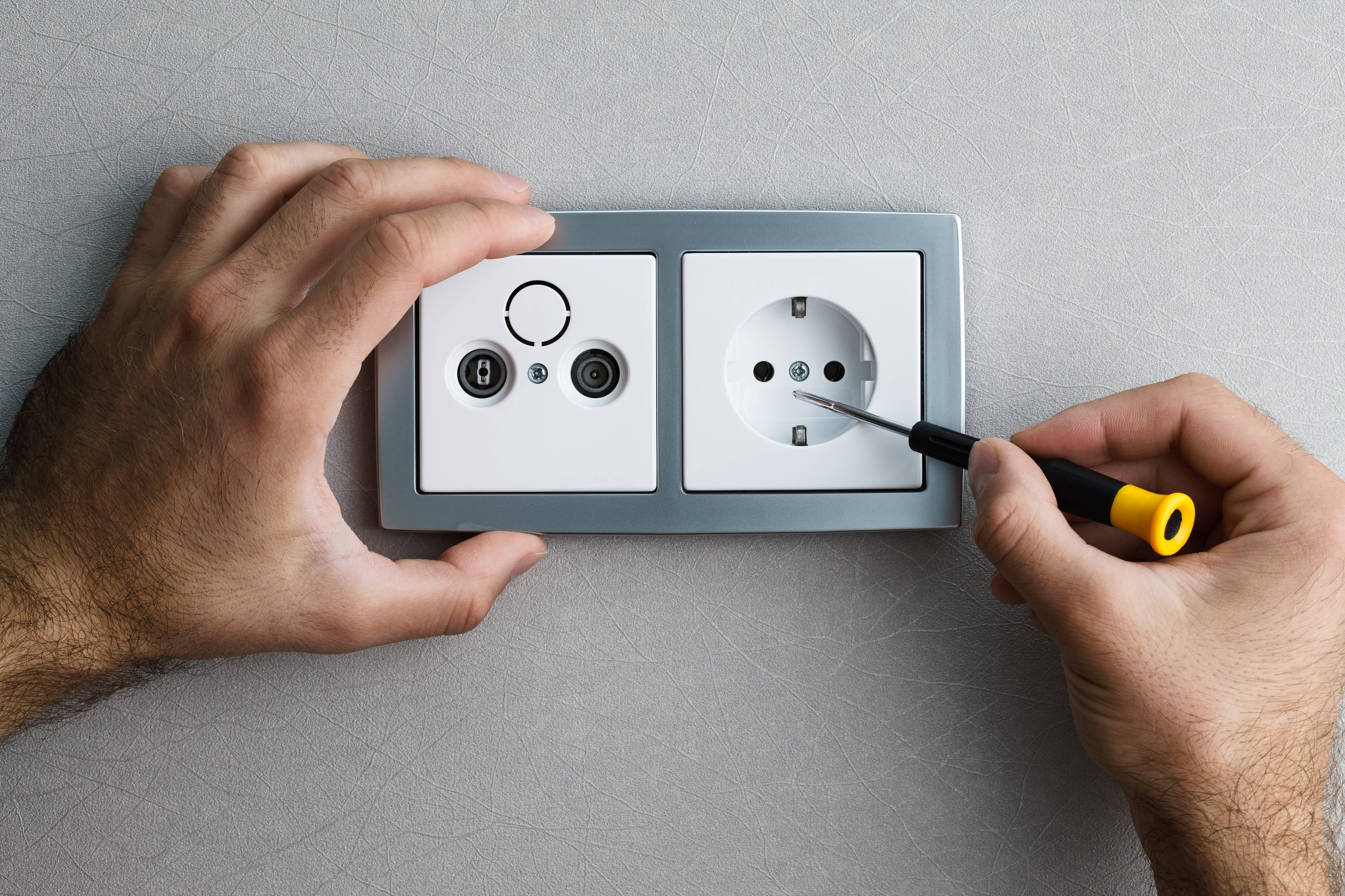 Réparation interrupteurs et prises