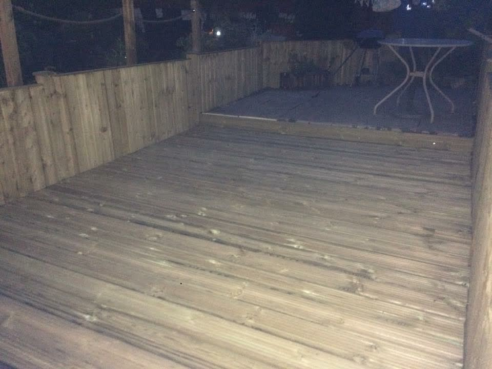 Decking wood or composite