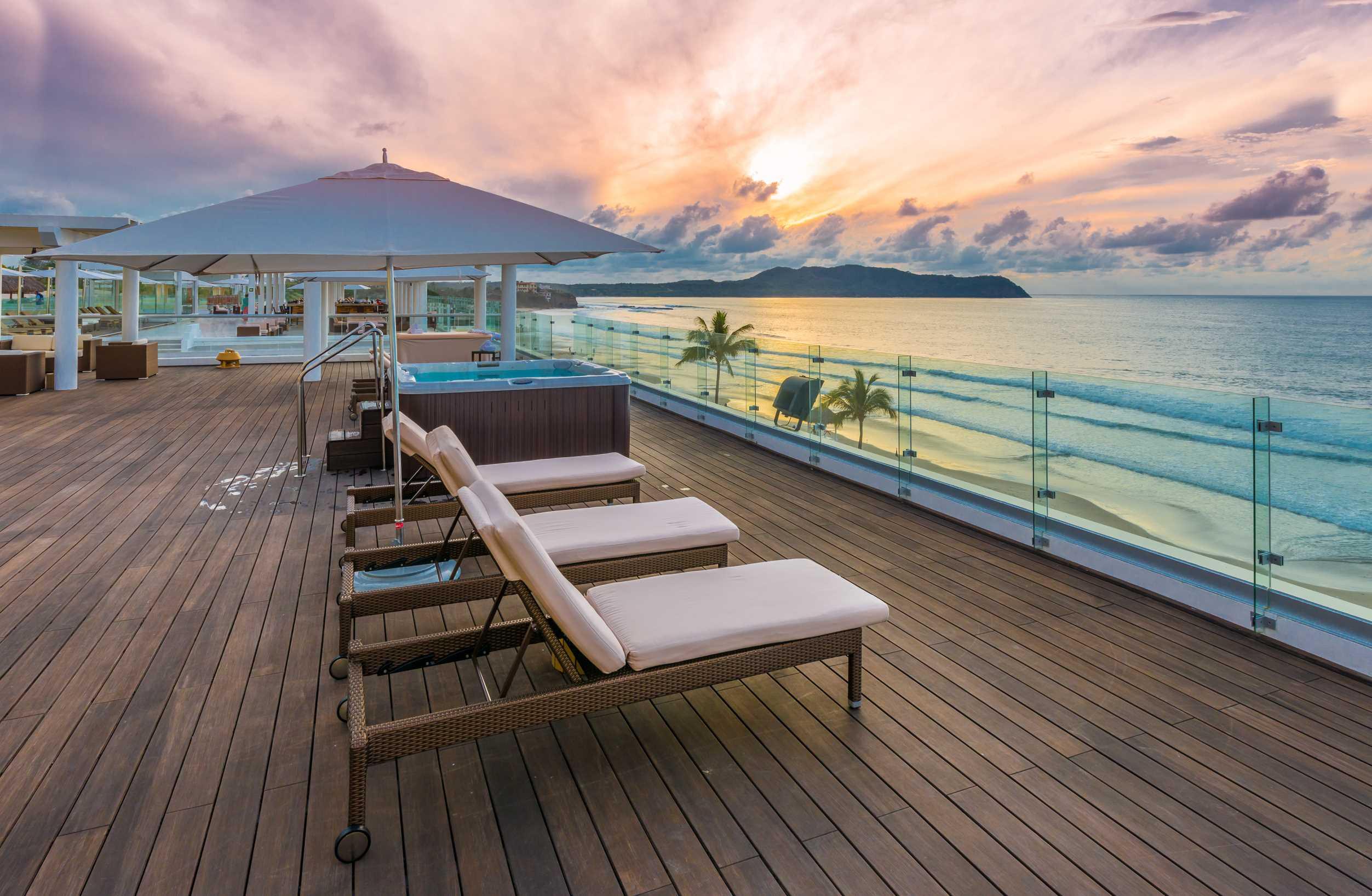 Resorts & Vacations