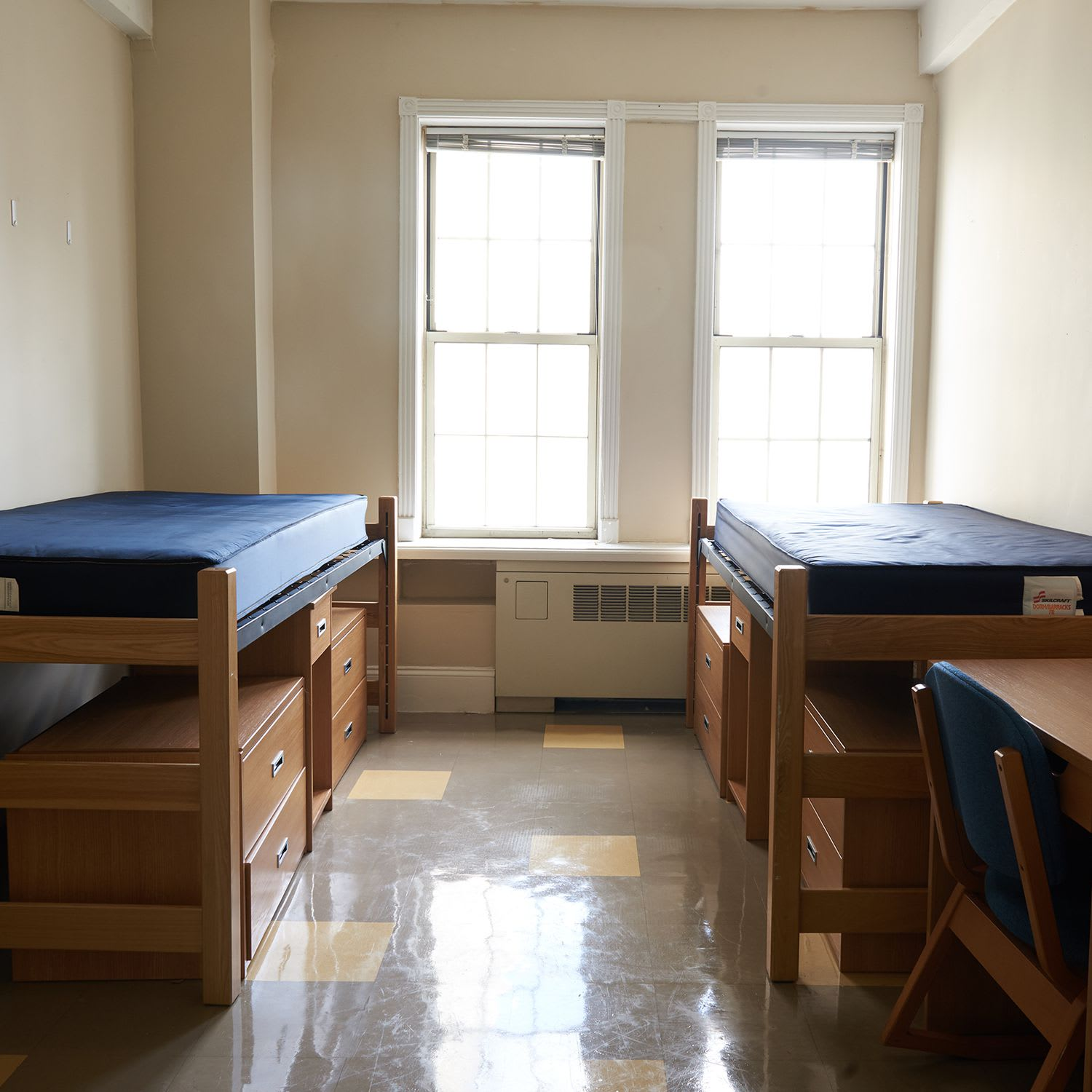 Emergency Cleaning ( Apartments/ Dorm Rooms)