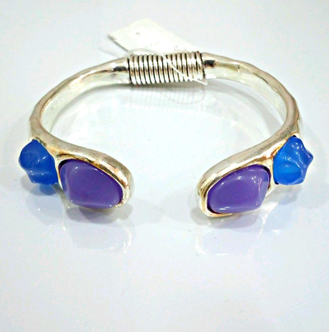 Pulsera Sirenita azul.